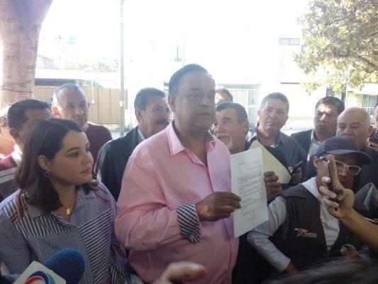 Se registra Salvador Cosío como aspirante a candidatura independiente