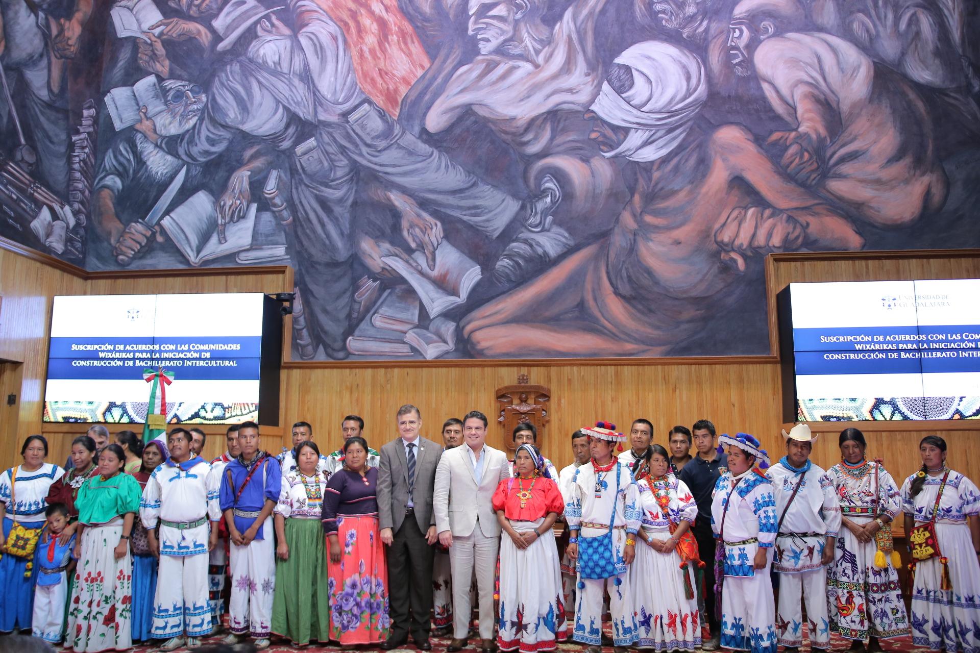 firma acuerdo entre la comunidad wixaritari y la universidad de guadalajara (11)