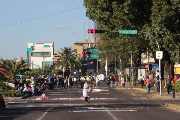 CNTE realiza manifestación en Guadalajara