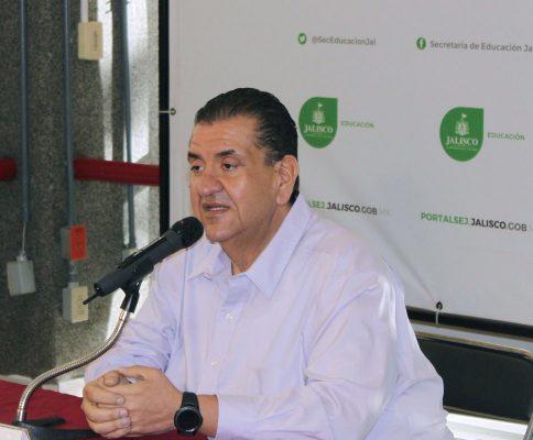 La siguiente semana pide licencia Francisco Ayón