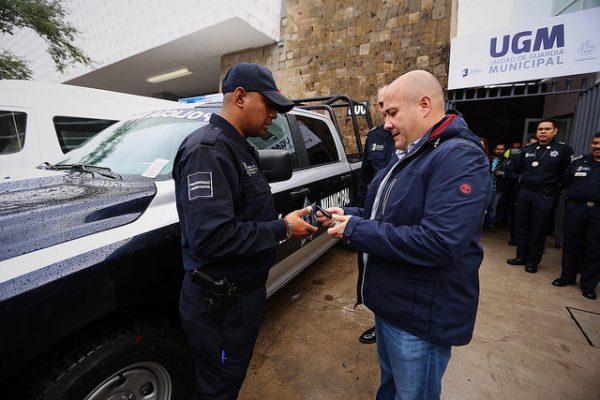 Entregan instalaciones y unidades eléctricas a la Policía de Guadalajara
