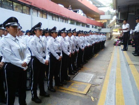 Capacitan 200 mujeres para Policía Vial