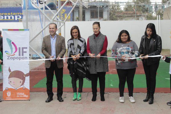 DIF Zapopan y arca continental rehabilitan cancha