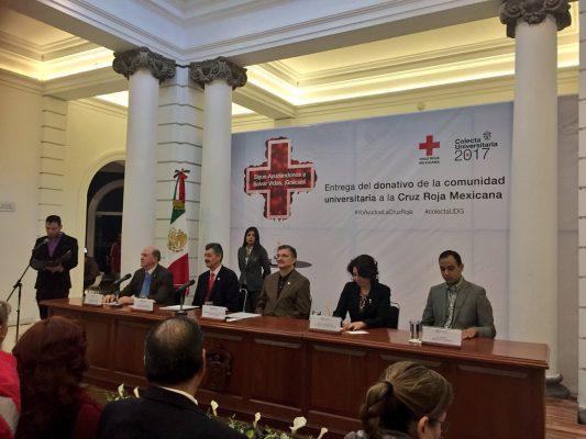UdeG entrega donativo a Cruz Roja