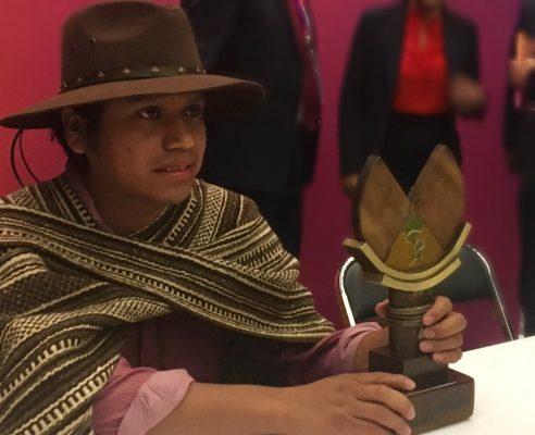 Premio de Literaturas Indígenas de América para Hubert Martínez