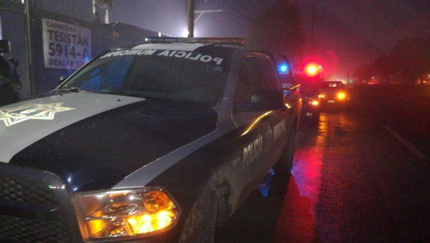 Pistoleros roban vehículos de bodega automotriz en Zapopan