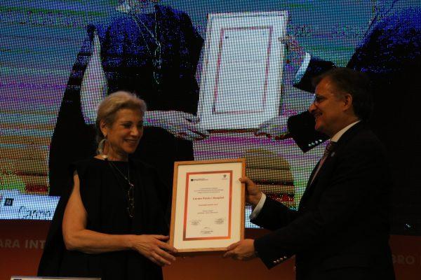 ArpaFIL 2017 es entregado a Carme Pinós