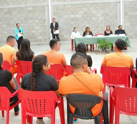 Internos del reclusorio metropolitano concluyen diplomado