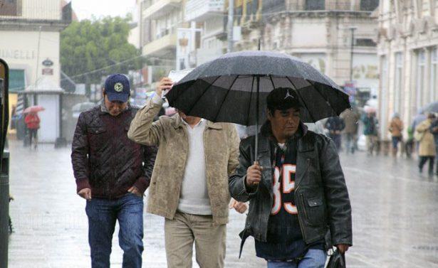 Frío y lluvia azota a Jalisco