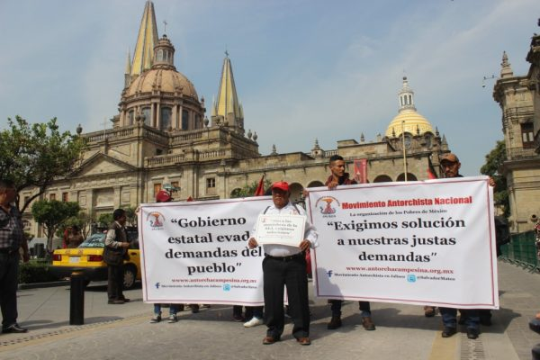 Marchan Antorcha Campesina