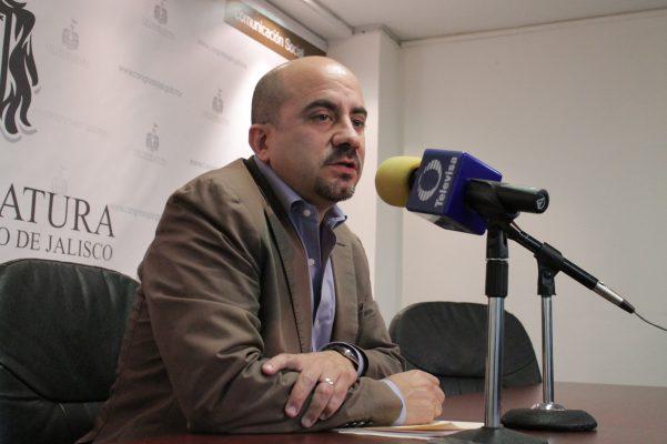 El precandidato de MC a Guadalajara se reúne con jóvenes tapatíos