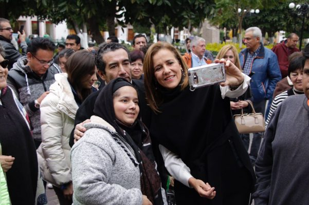 "Margarita Zavala califica de ""rara"" alianza PAN- MC-PRD"