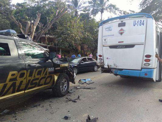 Cuatro policías se le lesionan tras accidente en Puerto Vallarta