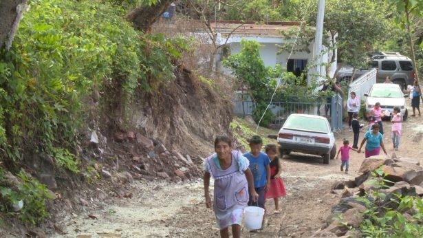 """Niños de """"Agua Caliente"""" con daño renal"""