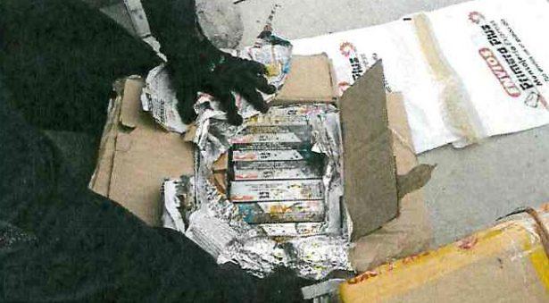 Descubren mil cartuchos en empresa de paquetería de Puerto Vallarta