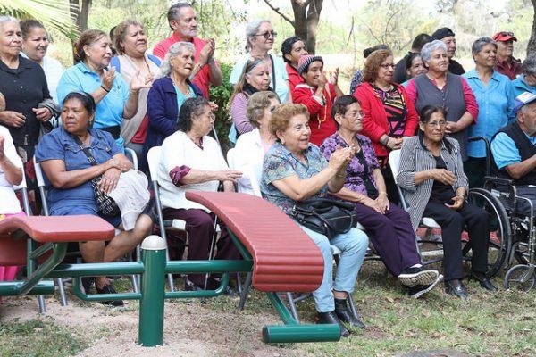 Uribe pondrá en marcha 11 gimnasios al aire libre en Tlajomulco