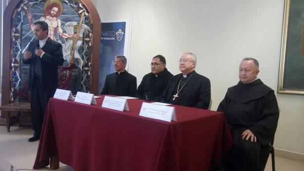¡Mírenme… Bastante bien! Responde el cardenal Robles Ortega