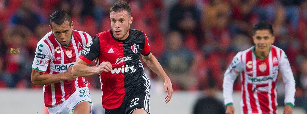 El ex del Dinamo de Zagreb, Ángelo Henríquez, considera que falta confianza en Atlas para mejorar. Foto: Twitter.