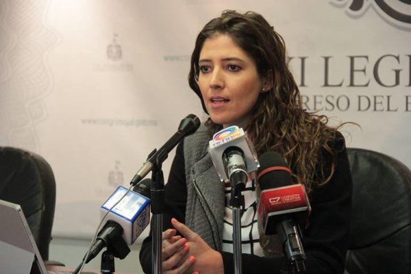 Aprobó Comisión de Puntos Constitucionales implementar protocolos para evitar violencia contra las mujeres