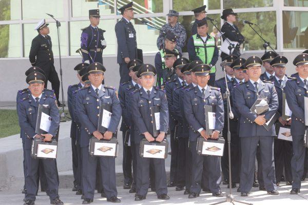 Se gradúan oficiales de la Fuerza Aérea Mexicana