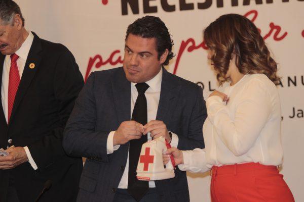 Con aporte de automovilistas arranca la colecta anual de la Cruz Roja