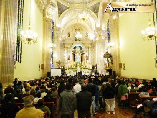 Miles visitan a la Virgen de la Candelaria en San Juan de los Lagos