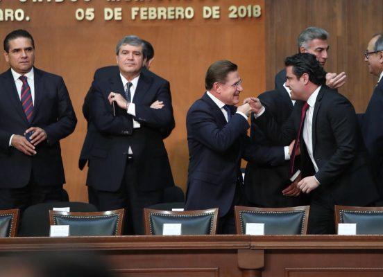Mexicanos deben de respetar la constitución