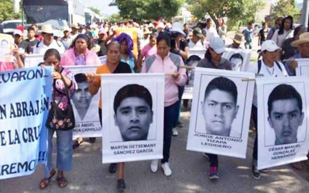 Que las campañas no desplacen el caso de estudiantes desaparecidos en Ayotzinapa piden familiares