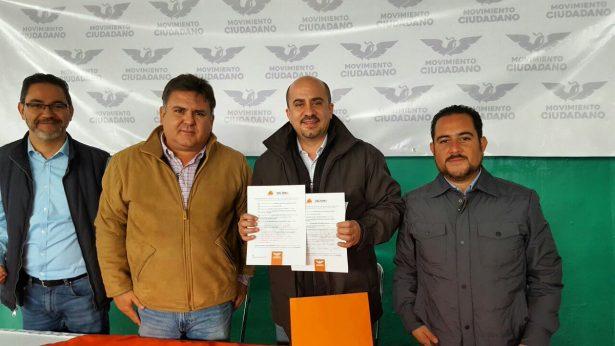 Entrega Ismael del Toro cartas de apoyo e informa que gasto 800 mil pesos en precampaña