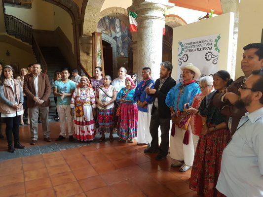 Se lleva a cabo exposicicón en honor a la Lengua Materna