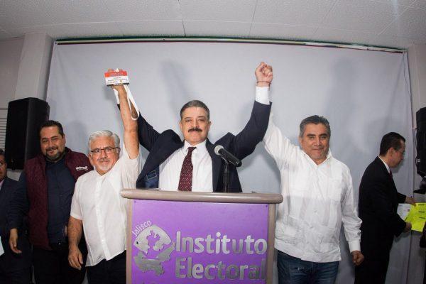 Se registra Carlos Lomelí Bolaños ante el IEPC como candidato a Gobernador