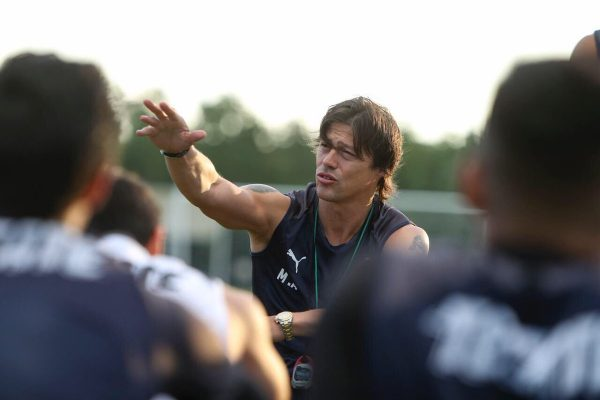 Admite Matías Almeyda que buscan a alguien que le ayude