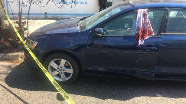 Mujer fue ultimada cuando viajaba a bordo de un carro en Guadalajara