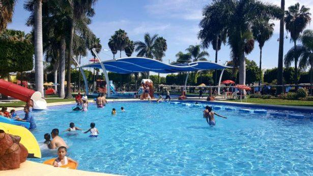 Medio millón de visitantes esperan en vacaciones los parques acuáticos