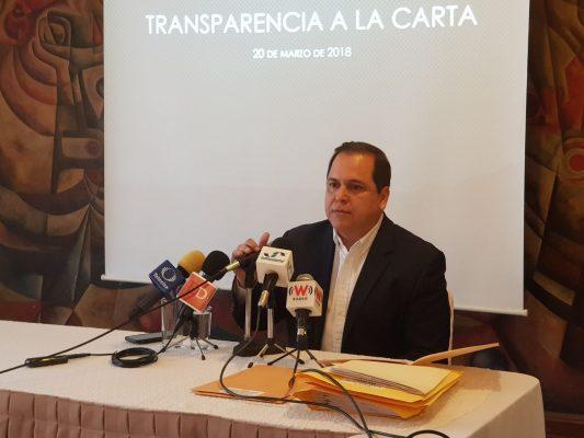 Denuncia regidor por actos de corrupción y tráfico de influencias
