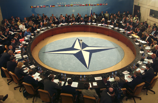 OTAN no participará en operaciones de combate contra Estado Islámico