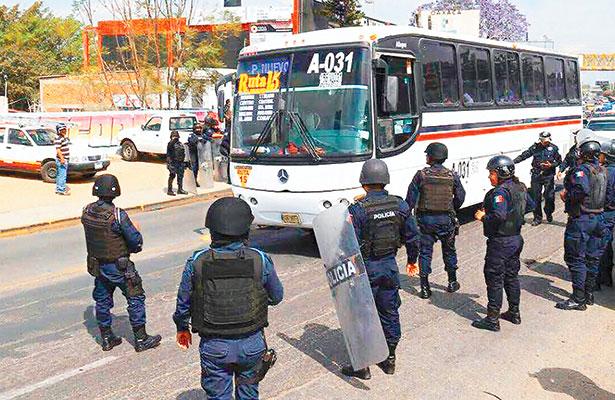 Pretendían normalistas de Oaxaca boicotear evento de Alejandro Murat