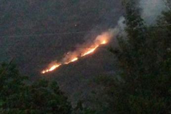 Sin control incendio forestal de Tenejapan
