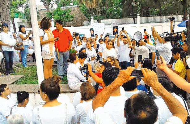Exigen manifestantes  paz y seguridad en Tabasco
