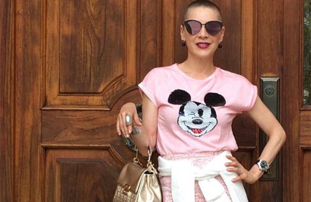 Edith González revela por qué seguirá con su look rapado