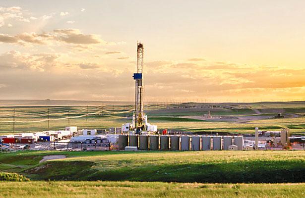 AIE advierte por posible falta de oferta de petróleo