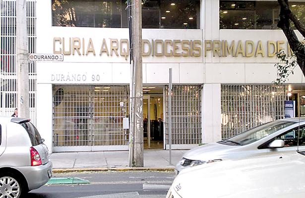 """""""Escandalosos""""bonos  de fin de año de funcionarios: Arquidiócesis de México"""