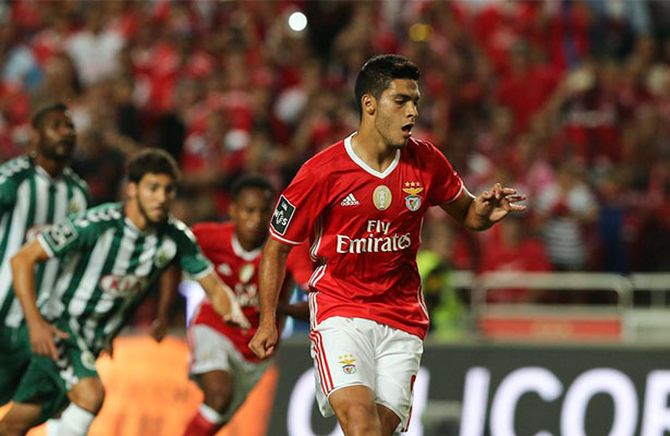 Raúl Jiménez ¿se va del Benfica?