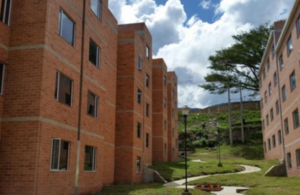 Más de siete mil acreditados del Fovissste han obtenido certeza jurídica de su vivienda