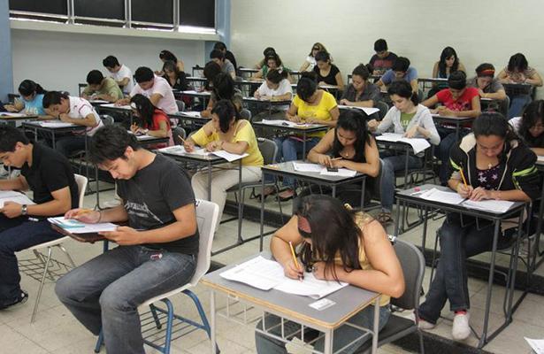 Agosto, el mes con mayor frustración entre jóvenes por examen para bachillerato