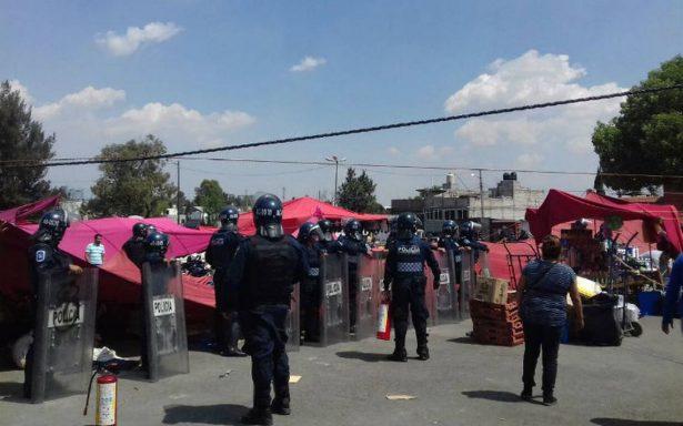 Acribillan a dos comerciantes en un tianguis en Ecatepec