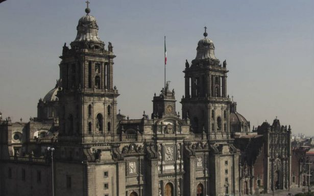 Prevén apuntalar campanarios de Catedral Metropolitana por sismo