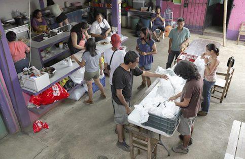 Voluntarios, la ayuda invisible en el trayecto de migrantes
