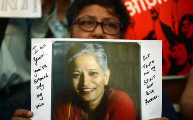 Asesinan a tiros a periodista india, crítica con el extremismo hinduista