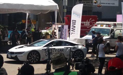 Esteban Gutiérrezexhibe su auto en el Road Showen Reforma 🏁🏎